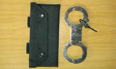 solid-handcuff-pouch